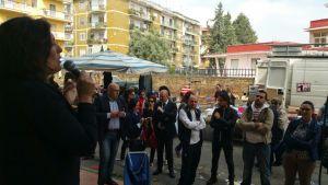 Speaker corner al mercato di Pomigliano