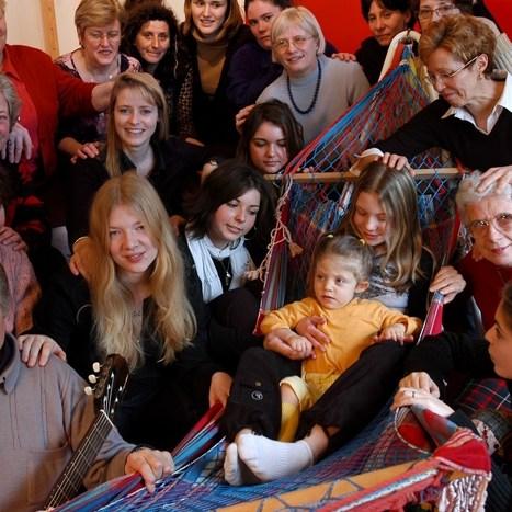 Volontaires ces terriens là ! Photo d' famille de Super-heros. Syndrome de West maladie orpheline ?