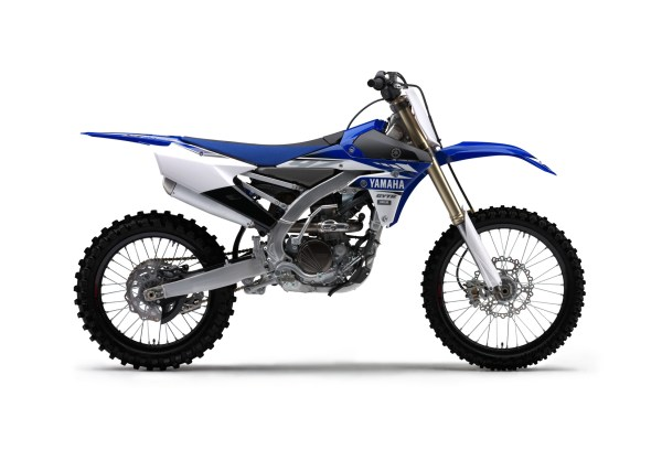2017-yamaha-yz250f-eu-racing-blue-studio-002