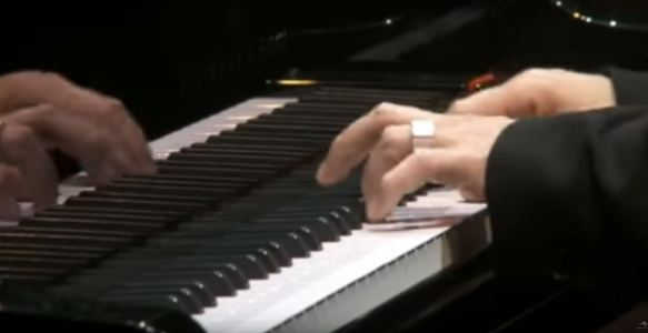 "Ludovico Einaudi – ""Divenire"" – Live @ Royal Albert Hall London"