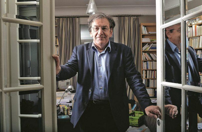 Par ses réflexions sur l'identité française, Alain Finkielkraut a été pris pour cible par la bien-pensance. Photo © SIPA