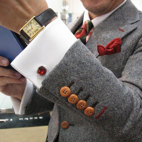 How to wear cufflinks with a jacket