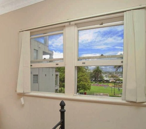 timber window glass replacement