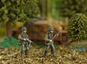 german_infantry_in__'pea_camo_'_and_stug_iii