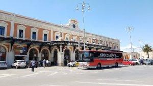 Bari_stazione_centrale_puglia_in_treno
