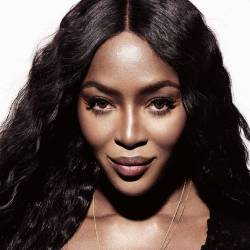 Naomi_Campbell_a_Bari_valigiamo.it