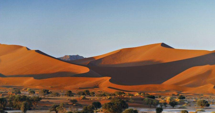 Shongololo-Sossusvlei-Namibia-Tourism-Board-Credit-Namibia-Tourism-Board-panorami