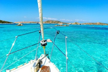 Sardegna_mare_barca-a-vela