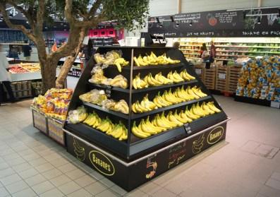 Agencement sur mesure d'espace fruits et légumes en grande surface