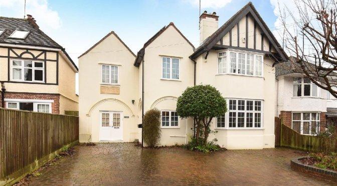 Casa usada por Tolkien entre 1953 e 1968 está à venda