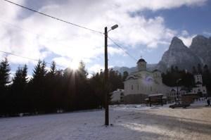 manastirea-caraiman-03