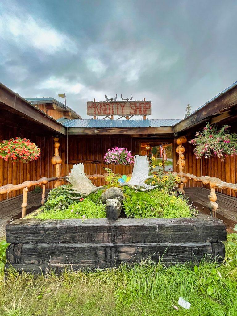 John Hall's Alaska Review - Day 2 - Driving to Fairbanks - Knotty Shop