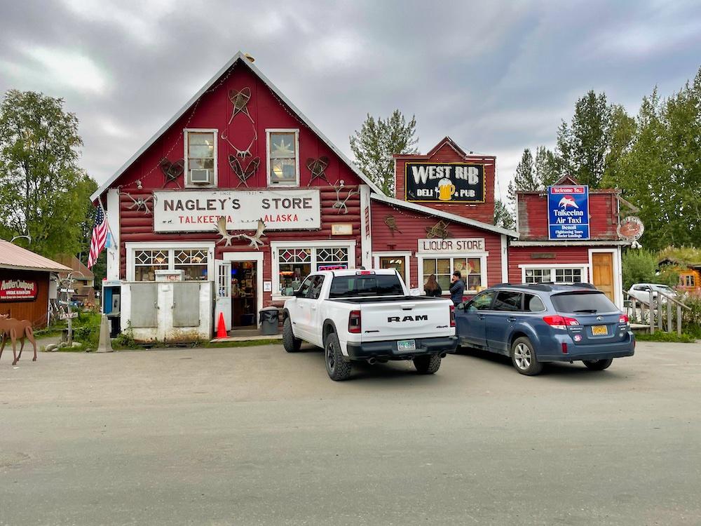 John Hall's Alaska Review - Day 6 - Talkeetna Town