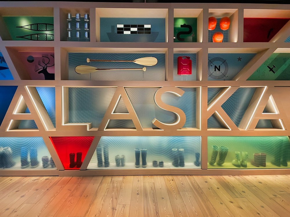 John Hall's Alaska Review - Day 7 - Anchorage Museum Gallery