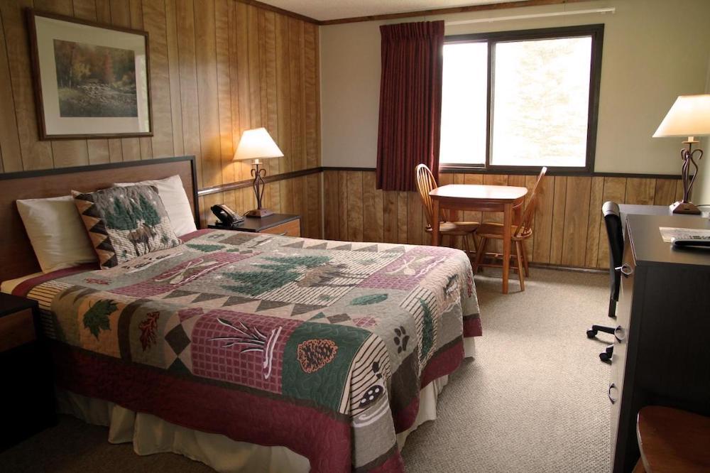 Denali Park Hotel Room