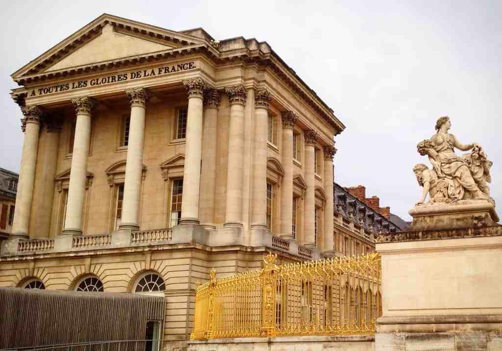 Chateau Versailles entrance