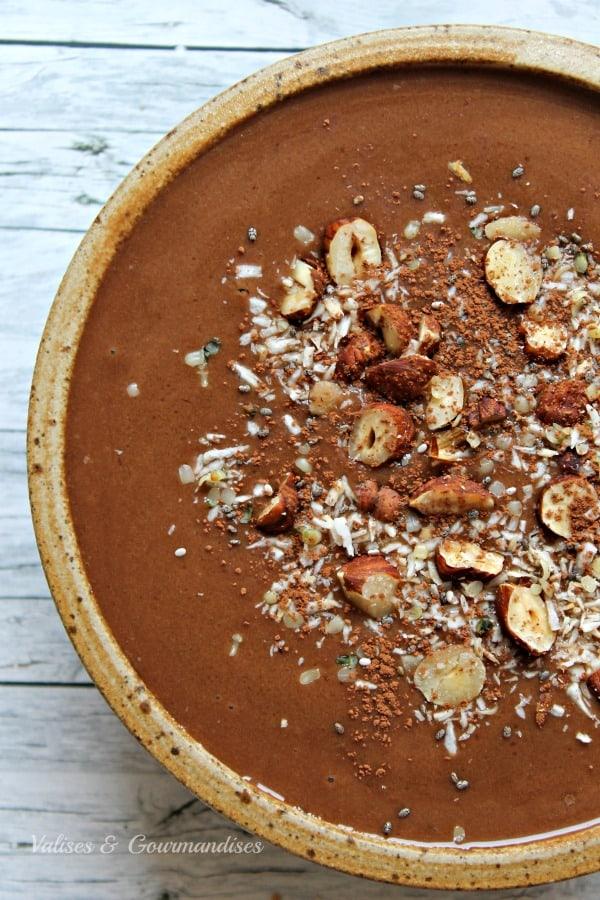 Vegan mocha smoothie bowl - Valises & Gourmandises