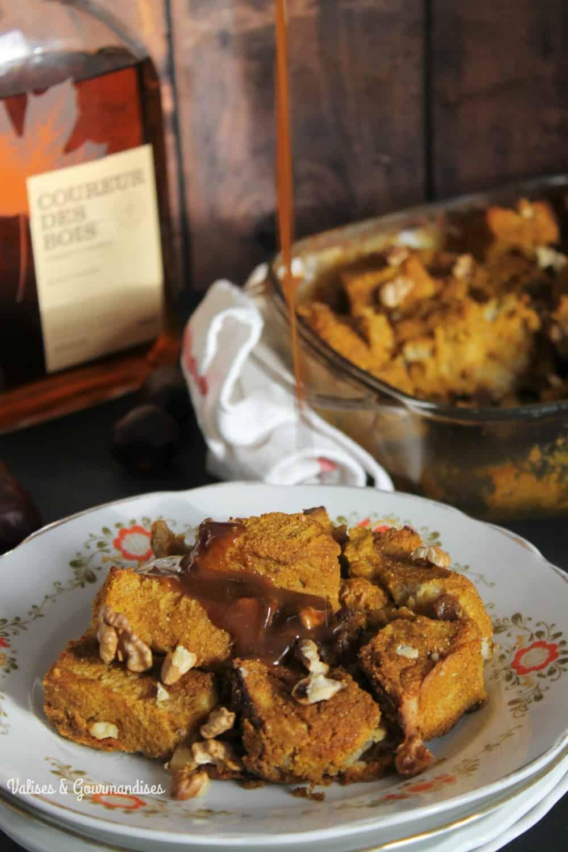 Vegan pumpkin French toast caramel with a maple-whisky caramel sauce