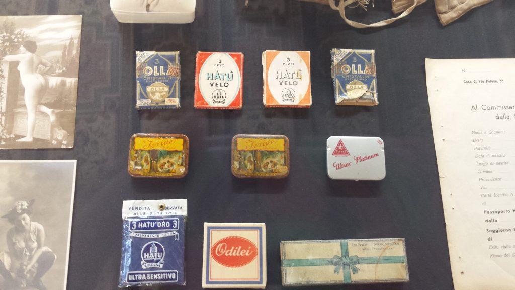 I preservativi, o 'goldoni', dell'azienda bolognese Hatù