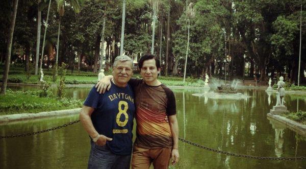 (El autor y su padre en el Parque da Luz - Sao Paulo, 2015)
