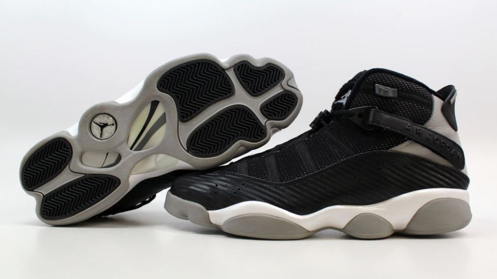 carbon fiber sneakers