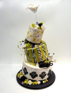 B334-Chanel-Topsy-Turvy-Cake