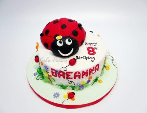 CB186 Lady Bug Cake