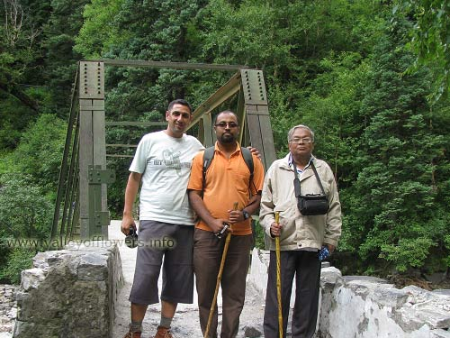 Iron bridge on Pushpawati river on the way to valley of flowers