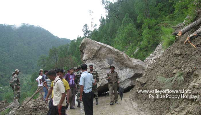 Huge boulder blocking the road near Nandprayag.