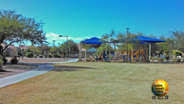 Photo of children's playground and volleyball courts in Warner Ranch Tempe/Chandler