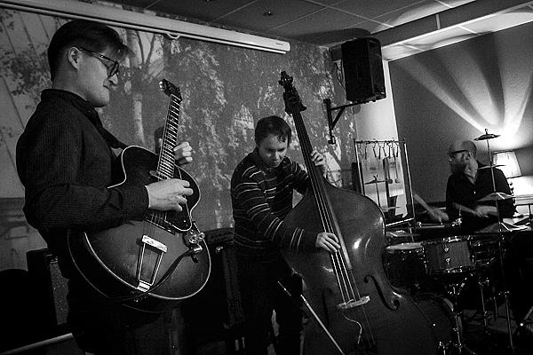 Teemu Viinikainen Trio Tornion Kerholla 2013