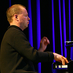 Jarmo Savolainen Lappian Musiikkitalolla vuonna 2004
