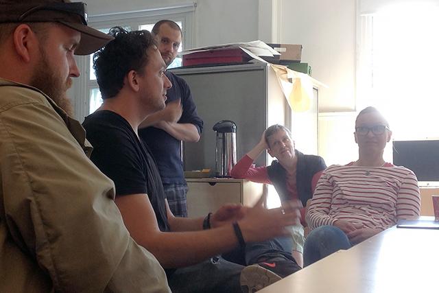 Aki-Pekka Sinikoski (toinen vasemmalta) Alkulämpö-työpajassa