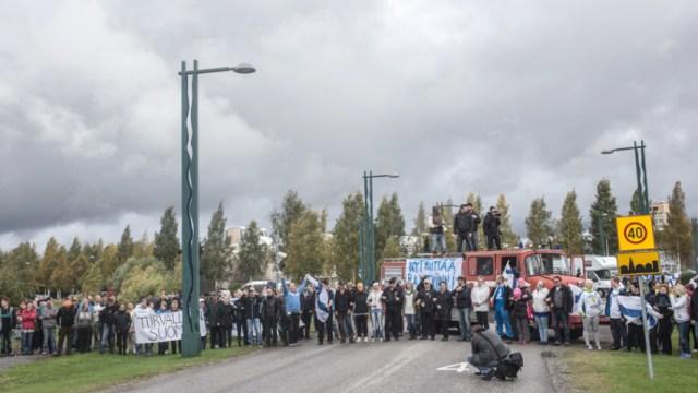 Mielenosoittajat halusivat sulkea maailman rauhallisimman rajan.