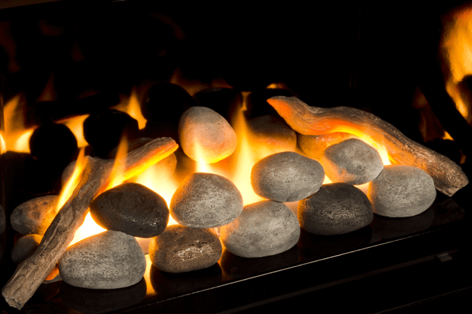 The 701RSK Rock Set provides a beautiful rock firebed with stunning flames within.