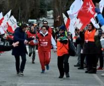 L'arrivo della fiaccola in piazza Valle Stretta (Foto Gian Spagnolo)