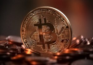 NYSE:PLTR bitcoin price pullback