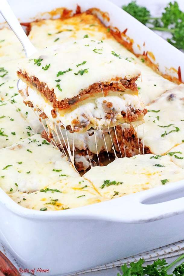 I've got the easiest and the tastiest lasagna recipe you'll ever make! It consists of very basic ingredients you most likely to have on hand. This Lasagna with Mushrooms is a perfect make-ahead dish your family will love! #familyfavorite #easyrecipe #comfortfood #kidaproved | www.valyastasteofhome.com