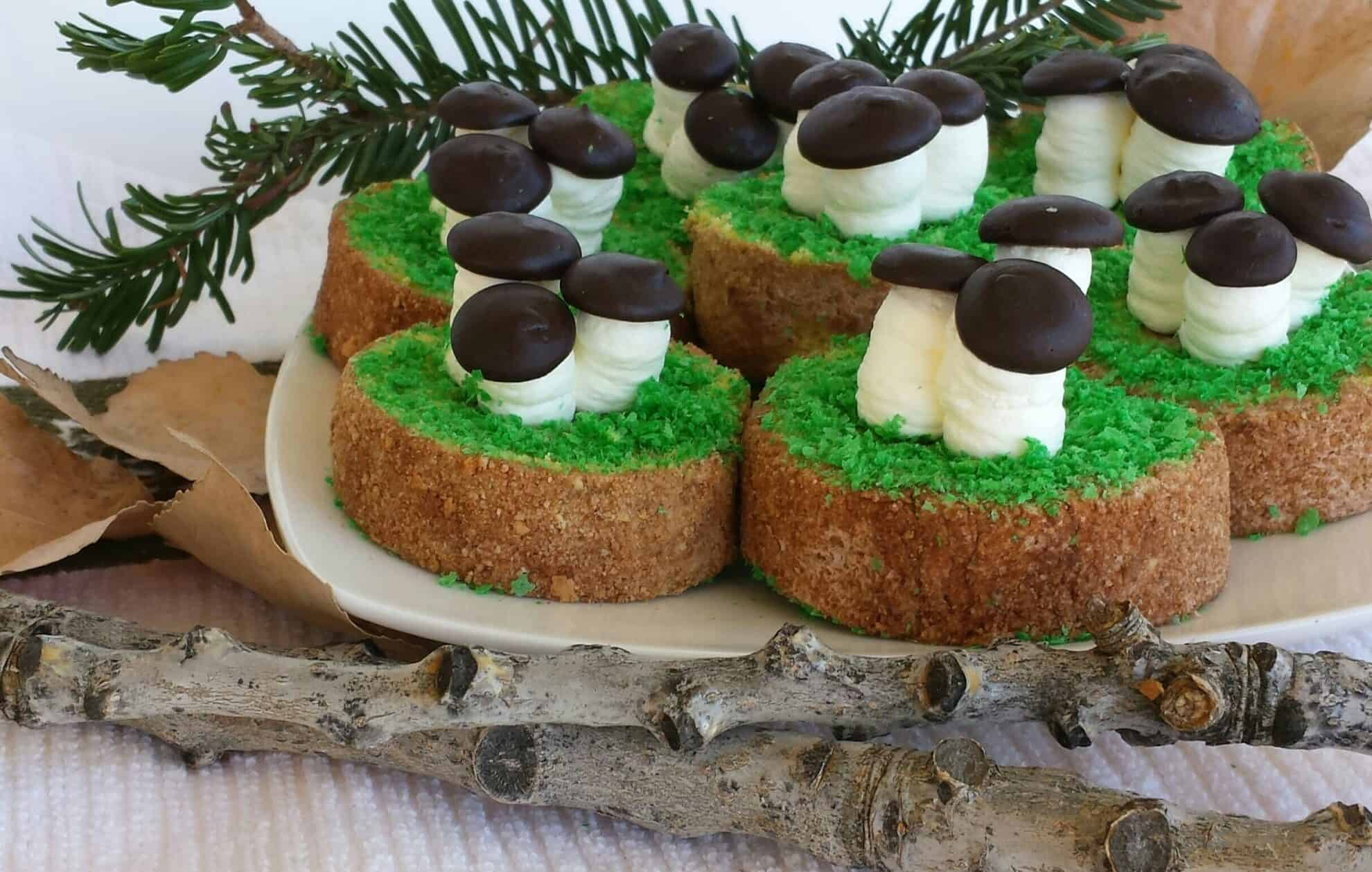 Isn't it a mushroom season now? These decorative desserts are mushrooms growing on top of an old stump in the forest. That chocolate cream inside the roll, the white cream of the mushroom stem and chocolate mushroom head make the taste unforgettable and crave-able. #oldstumpdessert #fallbaking #beautifuldessert