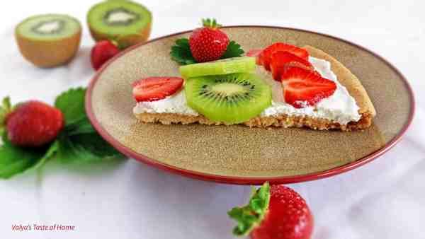 Strawberry Kiwi Dessert Pizza
