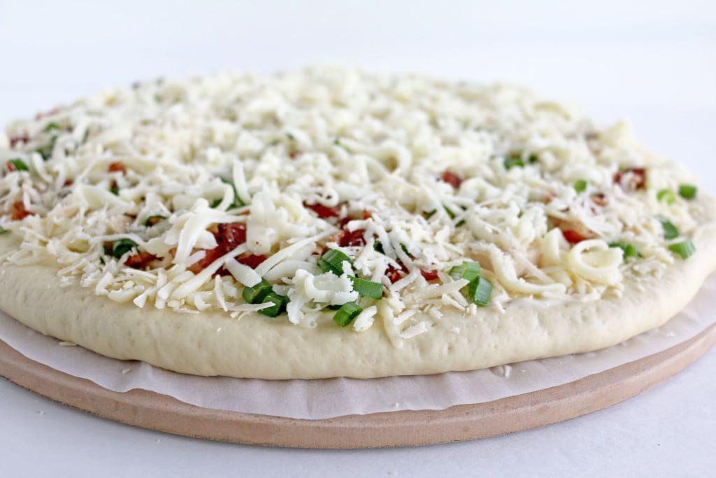 Garlic Bacon Chicken Alfredo Pizza