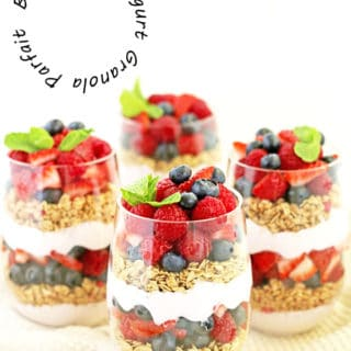 Berry Greek Yogurt Granola Parfait