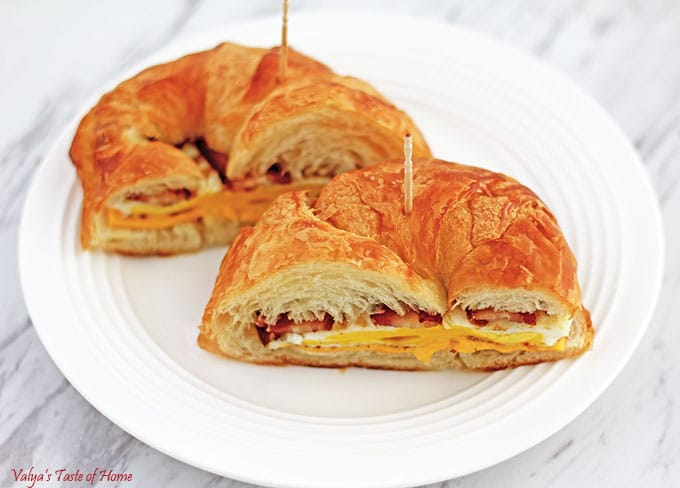 Simple Breakfast Croissan'wich