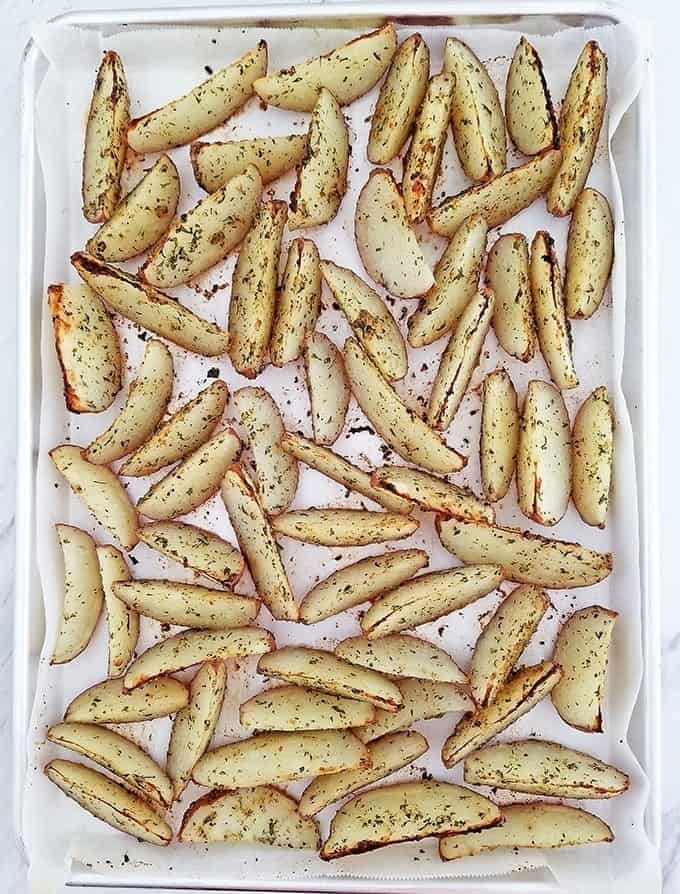 Seasoned Baked Red Potato Wedges