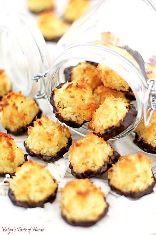 Chocolate Dipped Coconut Macaroons, coconut flakes, coconut flour, cookies, dark chocolate, delicious, easy and quick, easy recipe, gluten free, homemade, homemade coconut macaroon cookies, macaroon cookies, yummy cookies
