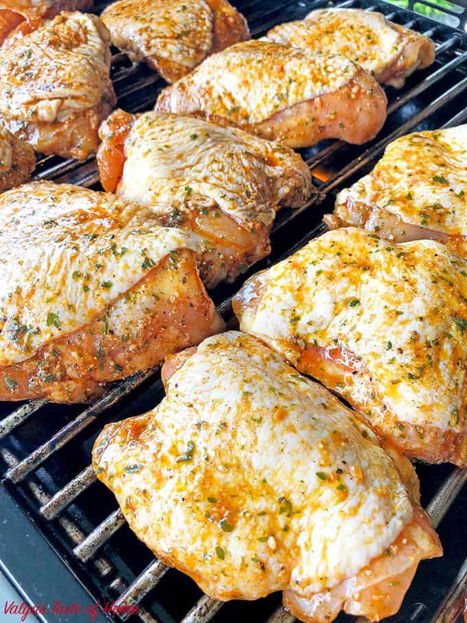 chicken thighs, delicious, grilled chicken, Grilled Marinated Chicken Thighs, grilling season, marinated chicken thighs, so juicy, summer grilling, tender grilled chicken thighs