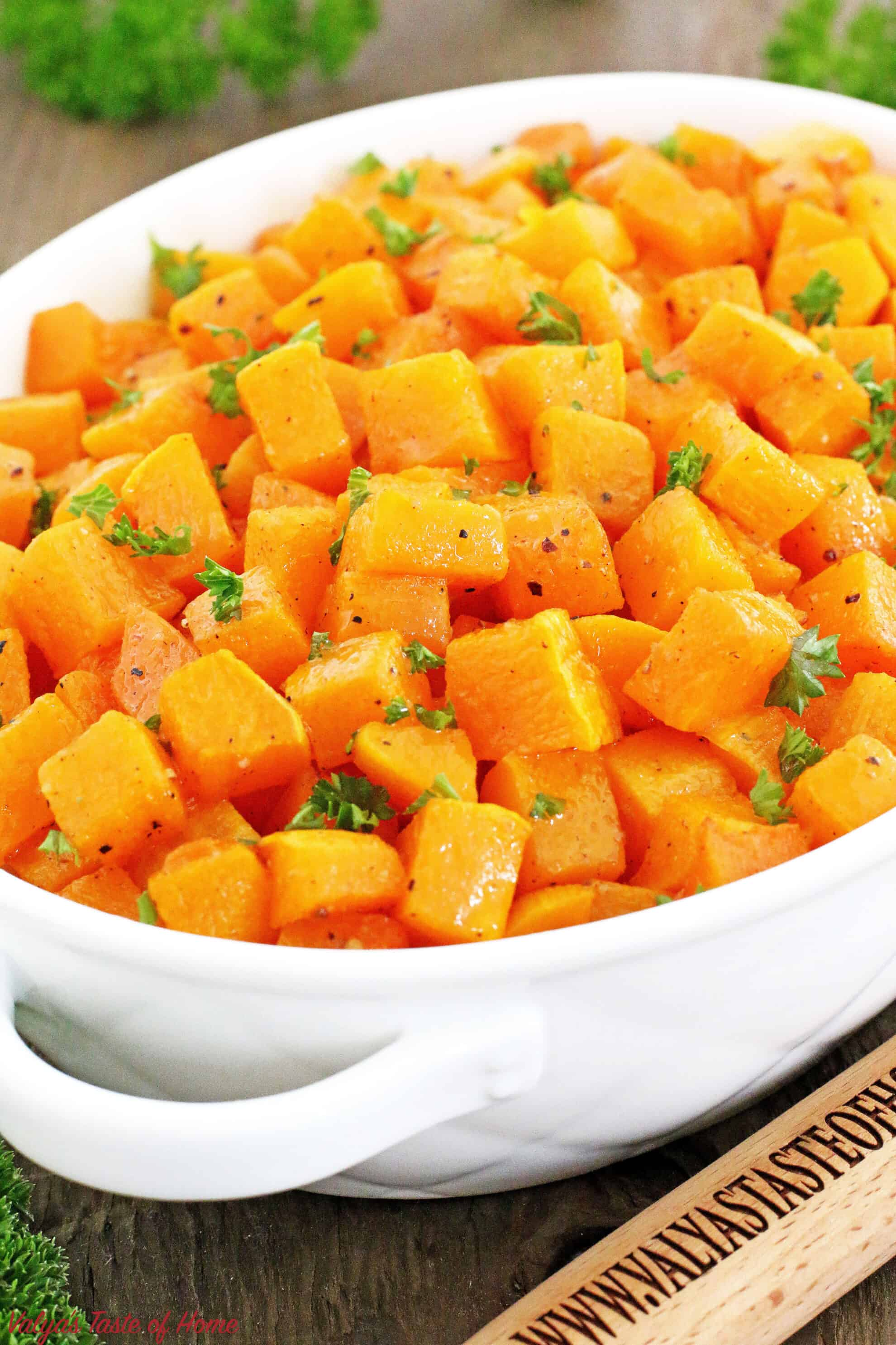 Easy Roasted Butternut Squash Recipe is very nutritious, tasty, and quick to make. Another fall staple, and a must-have at your Thanksgiving gathering. It's beautiful and deep color that matches the season to decorate your table, and it's delicious, smooth taste and texture.