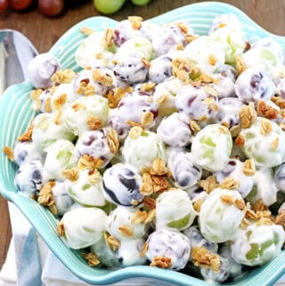 This Best Creamy Grape Salad is a delicious blend of fresh juicy grapes in a creamy vanilla yogurt dressing, and a touch of sweet and sour is a perfect way to sweeten up a picnic, backyard family gathering or any summer occasion. #fruitsalad #grapesalad #valyastasteofhome #bestcreamygrapesalad