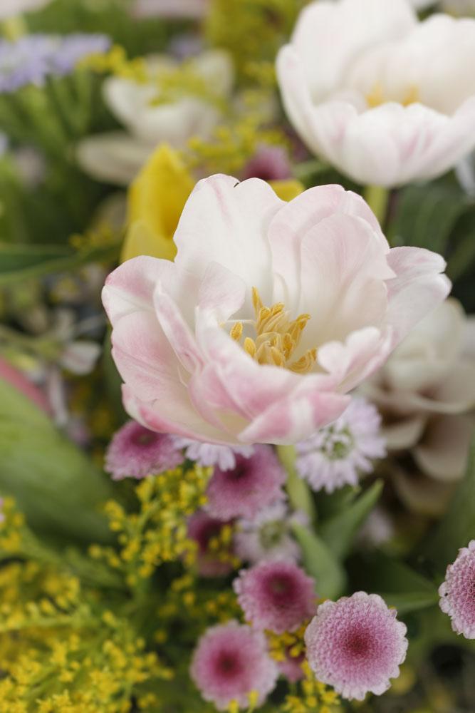 arranjo de flores para pascoa
