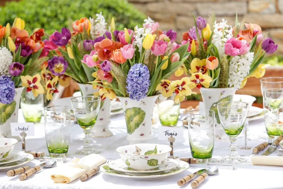 decoracao com flores coloridas